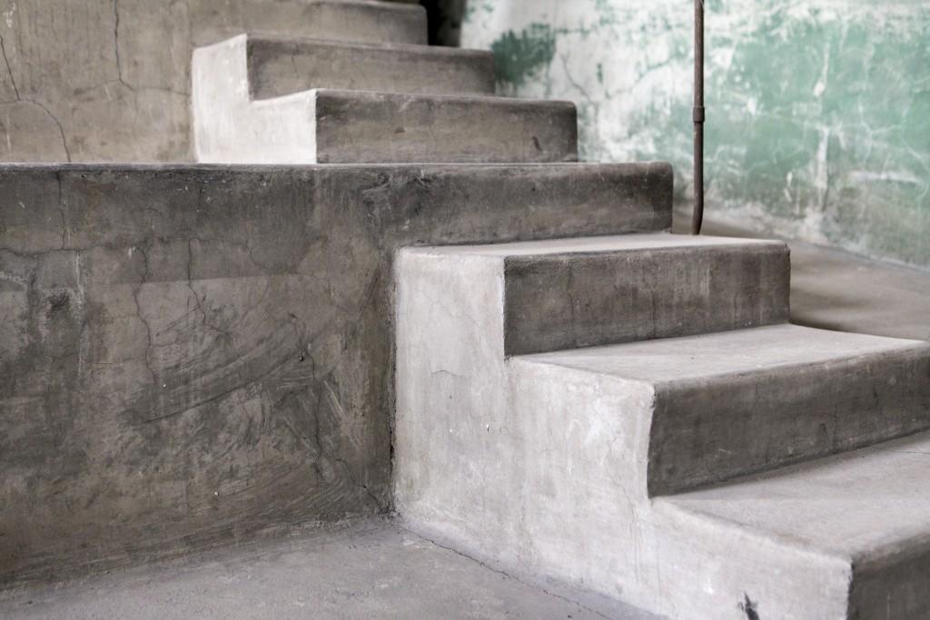 morgue-steps-9155