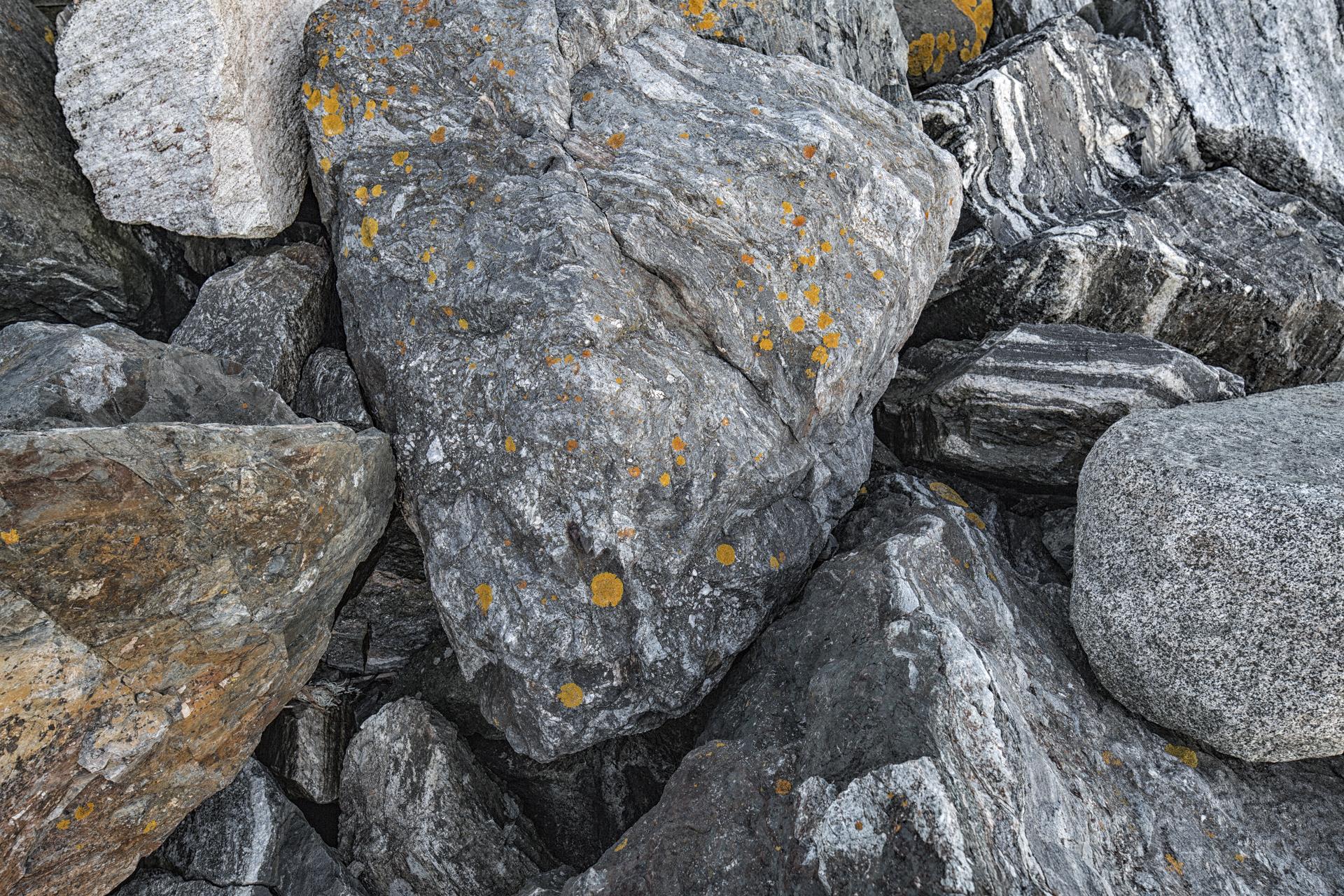 NH-Stones-